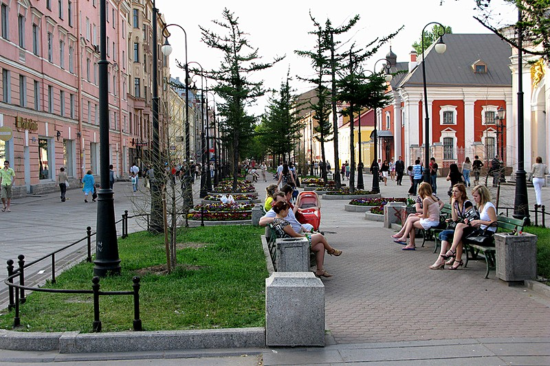 Pedestrian area on 6th and 7th Lines of Vasilevskiy Island in Saint-Petersburg, Russia