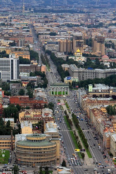 Panoramic view of Moskovsky Prospekt near the Moscow Triumphal Gate in St Petersburg, Russia