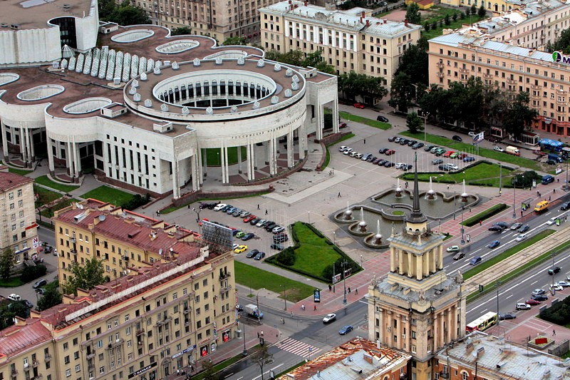 General's House and the Russian National Library on Moskovsky Prospekt in St Petersburg, Russia
