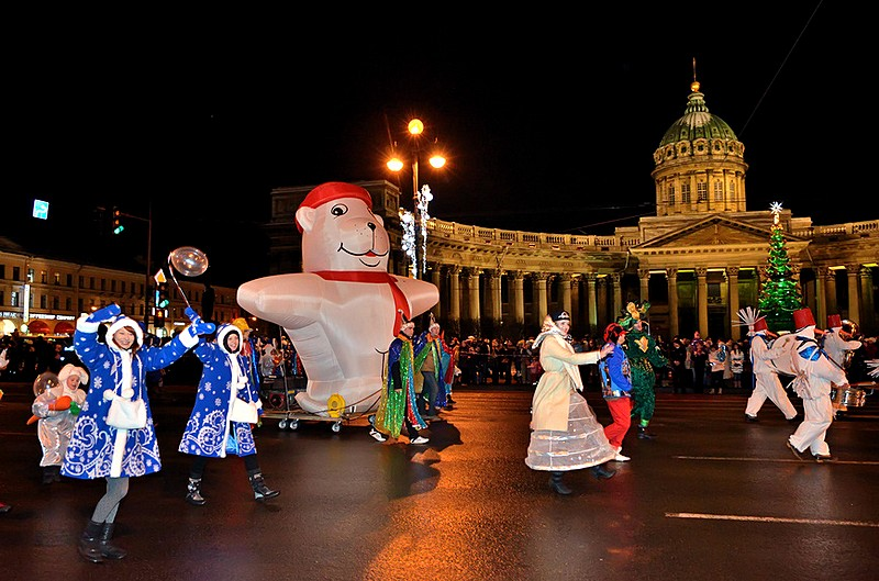 New Year's Eve celebrations on Nevsky Prospekt in St Petersburg, Russia