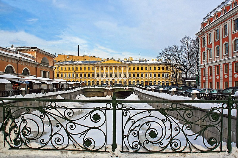 Wrought-iron railings of Novo-Konyushenny Bridge over the Griboedov Canal in St. Petersburg, Russia