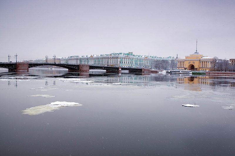 Palace Bridge and ice floating down the river in Saint-Petersburg, Russia
