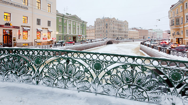 Frosty railings of Pevcheskiy (Singers') Bridge over the Moyka River in Saint-Petersburg, Russia