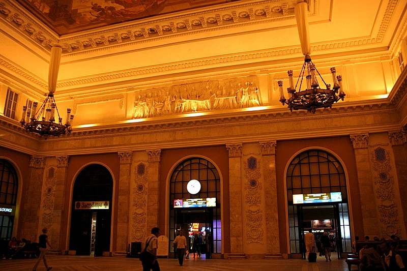 Main hall of Moscow Railway Station in St Petersburg, Russia