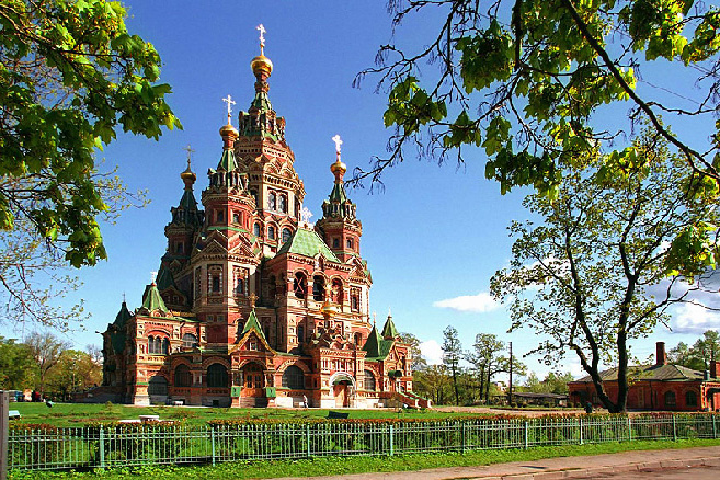 The Peter and Paul Cathedral in Peterhof - a superb example of Russian Revival architecture