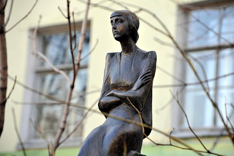 Monument to Anna Akhmatova erected in the courtyard of the Languages Department of St. Petersburg State University