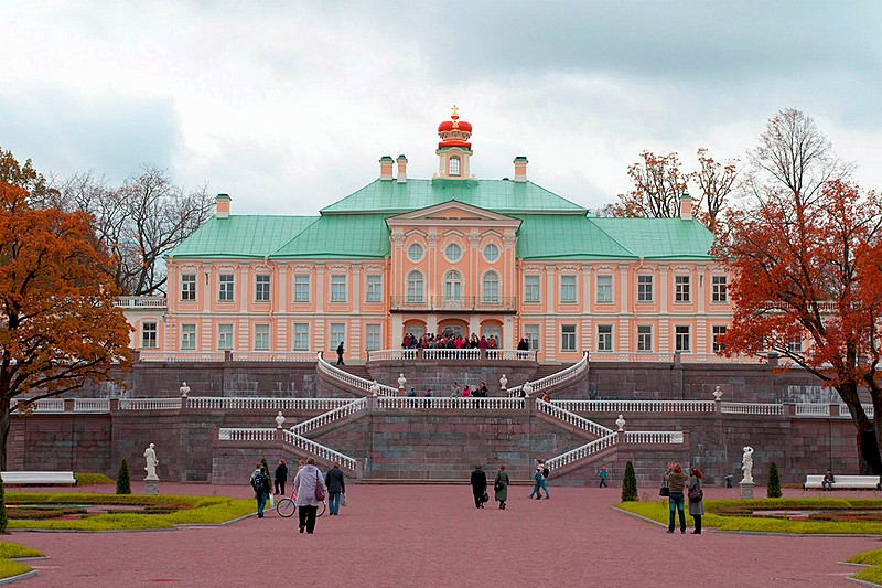 Terraces in front of the Grand Menshikov Palace at Oranienbaum, west of Saint-Petersburg, Russia