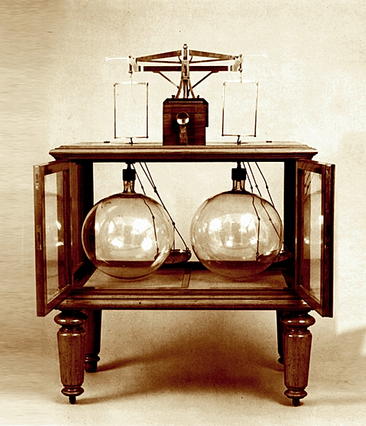Dmitry Mendeleev's design: Weight devices for firm and gas substances