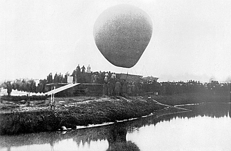 Mendeleev's flying on aerostat