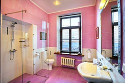 Bathroom of the Deluxe Room at the Alexander House Hotel in St. Petersburg