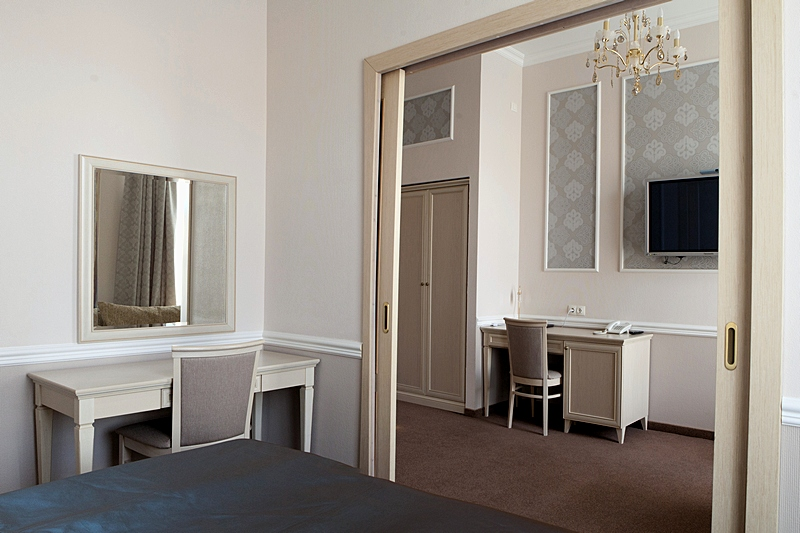 Fontanka Suite at the Asteria Hotel in St. Petersburg