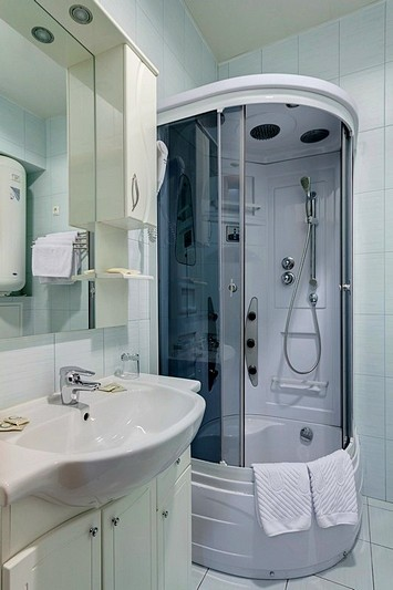 Bathroom of the One-bedroom Apartment at the Atrium Hotel in St. Petersburg