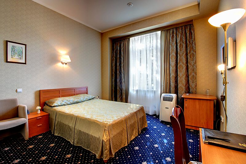 Standard Single Room at the Guyot Hotel in St. Petersburg