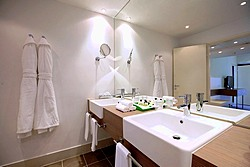 Bathroom of the Suite at the Holiday Inn Moskovskye Vorota Hotel in St. Petersburg