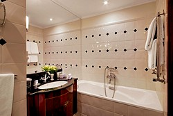 Bathroom of the Superior Room at the Kempinski Hotel Moika 22 in St. Petersburg
