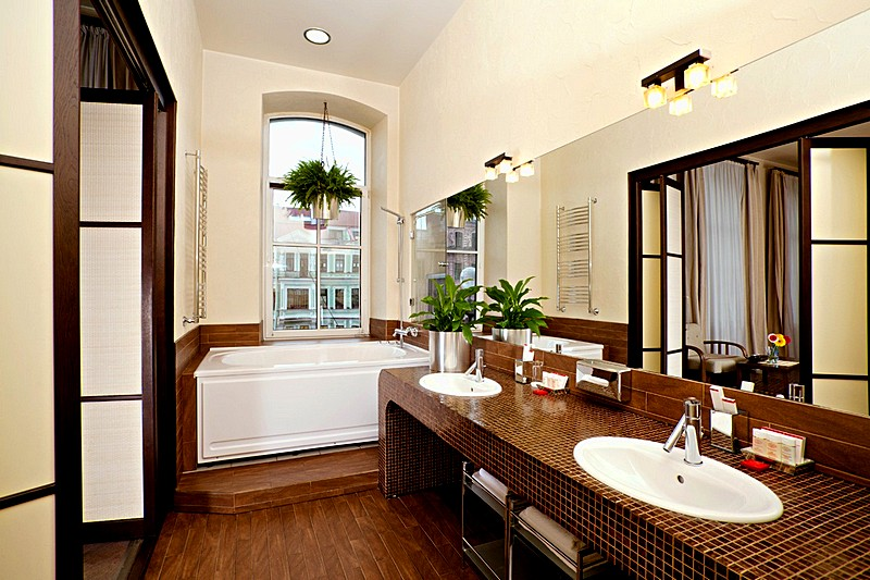 Bathroom of the Forum Grand Suite at the Nevsky Forum Hotel in St. Petersburg