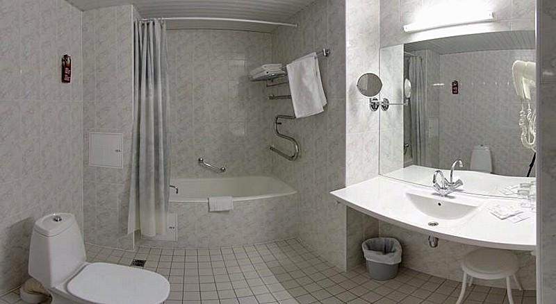 Comfort Twin Rooms At St Petersburg S Oktiabrskaya Hotel