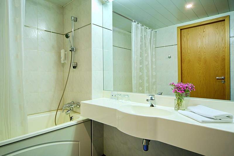 Bathroom of the Superior Double Room with river view at the Saint Petersburg Hotel in St. Petersburg