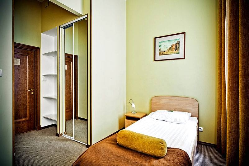 Standard Single Rooms At St  Petersburg U0026 39 S Shelfort Hotel