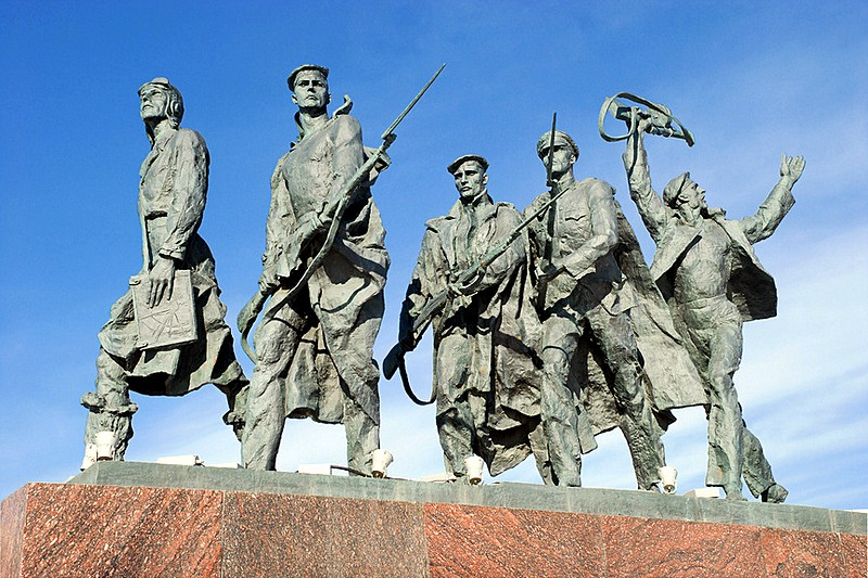 Sculptural group Sailors and Pilots in front of the Monument to the Heroic Defenders of Leningrad in Saint-Petersburg, Russia