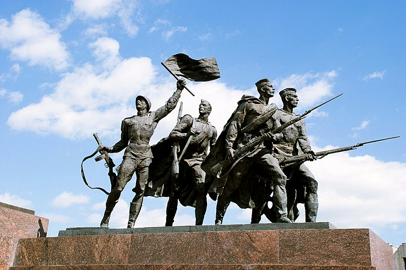 Sculptural group Soldiers in front of the Monument to the Heroic Defenders of Leningrad in St Petersburg, Russia
