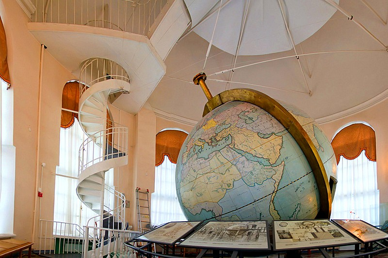 Upper Hall with the Globe of Gottorp at the Kunstkammer (Museum of Anthropology and Ethnography of Peoples of the World) in St Petersburg, Russia