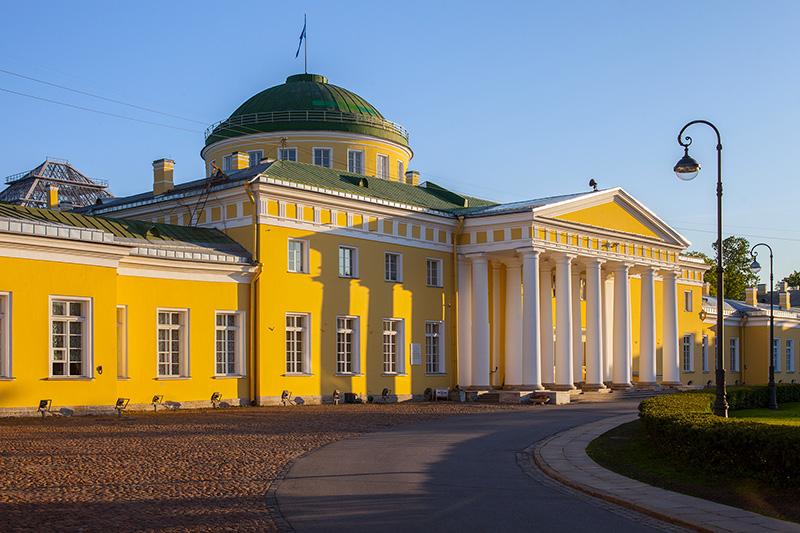 Tauride (Tavrichesky) Palace on Shpalernaya Ulitsa in St Petersburg, Russia