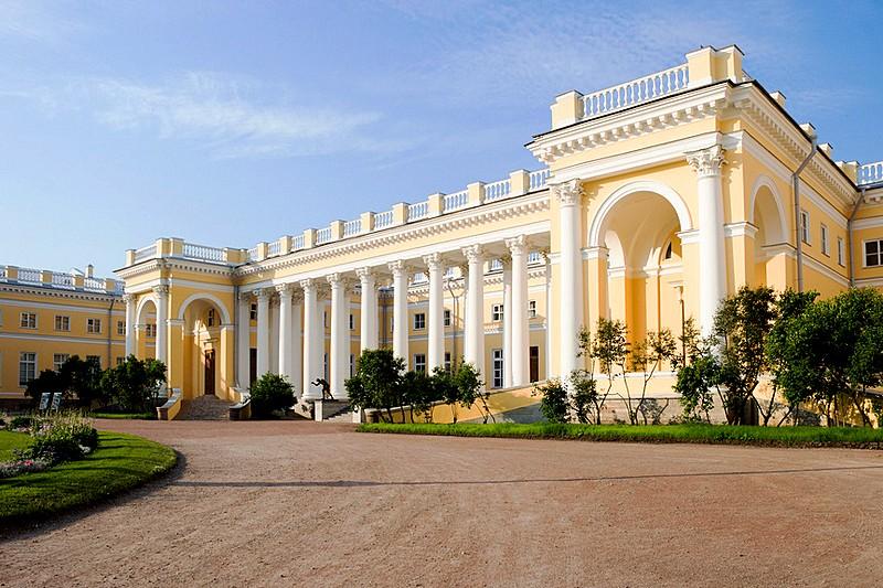 alexander-palace-in-tsarskoye-selo.jpg