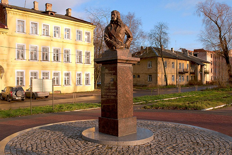Monument to Russian diplomat Vladislavich-Raguzinskiy in Schlisselburg, east of St Petersburg, Russia
