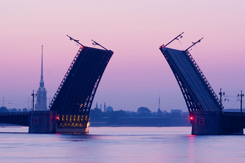 Opening bridges in Saint Petersburg