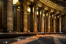 'Kazan Cathedral, St. Petersburg, Russia' from the web at 'http://www.saint-petersburg.com/images/virtual-tour/thumbnails/kazansky-cathedral.jpg'